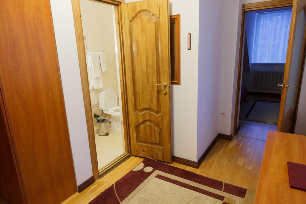 """номер люкс на Вилле """"Северин"""" гостиницы Калининграда"""